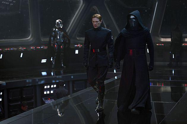 star-wars-force-awakens-images-villains-kylo-ren-hux