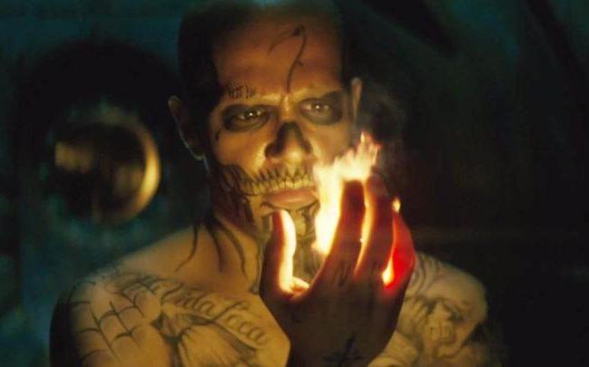 Suicide-Squad-Trailer-El-Diablo-Fire-xlarge-large_trans++Rp36Ti1MFCYr8PMuS2fHb17hoDUspm84EYl8tHPMRlk
