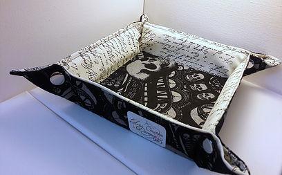 Aras Custom Designs Dice Tray Skulls